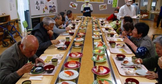回転寿司を行いました♪…大東デイサービスセンター