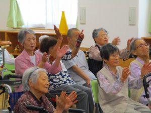 民謡、津軽三味線を披露していただきました♪…あうんの会の皆様
