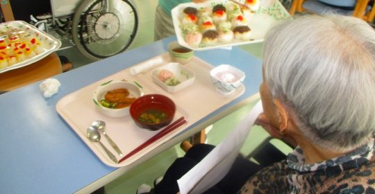 手まり寿司バイキング…ゴールドライフ大東